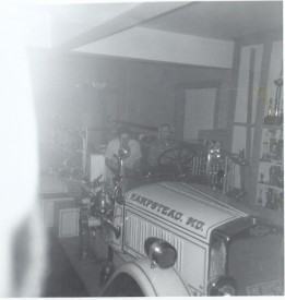1931 American LaFrance Pumper, Charlie Bowman driving